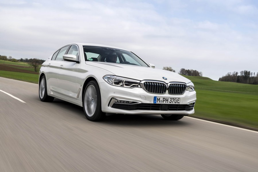 Car Reviews | BMW 530e iPerformance hybrid | CompleteCar.ie