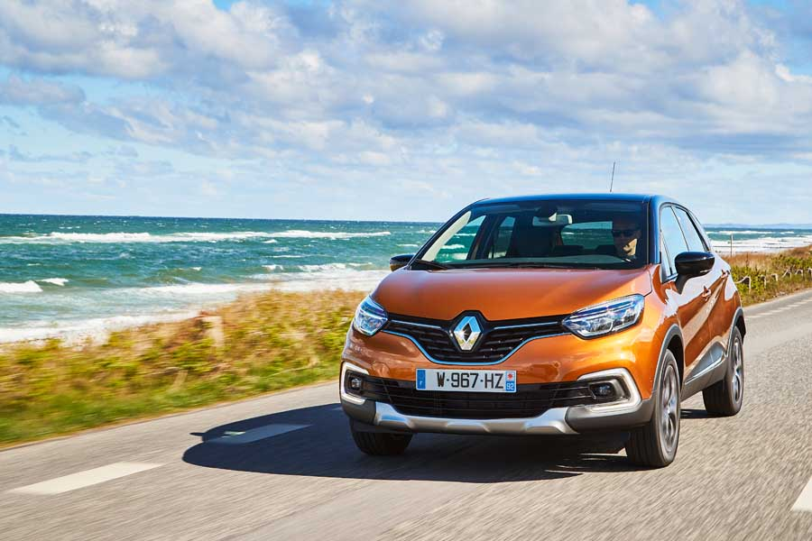 Car Reviews | Renault Captur 1.2 TCe petrol | CompleteCar.ie