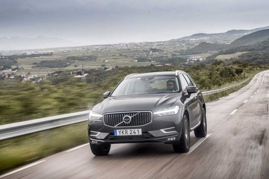 Car Reviews | Volvo XC60 D5 AWD | CompleteCar.ie