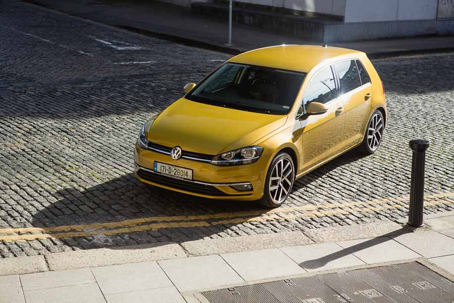 Car Reviews | Volkswagen Golf 1.0 TSI | CompleteCar.ie