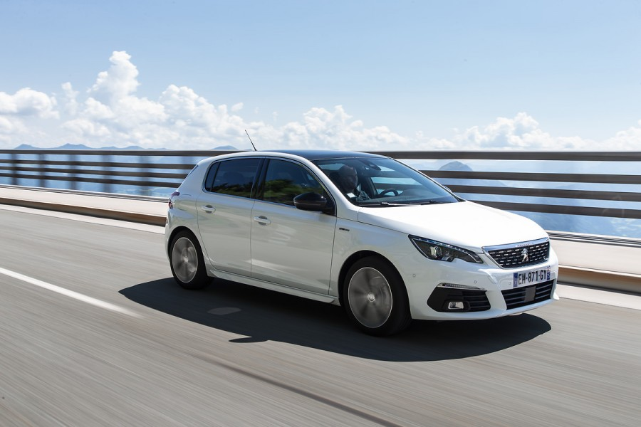 Peugeot 308 1 5 Hdi 130 Reviews Complete Car