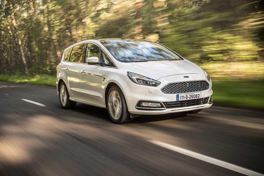 Car Reviews | Ford S-Max Vignale | CompleteCar.ie