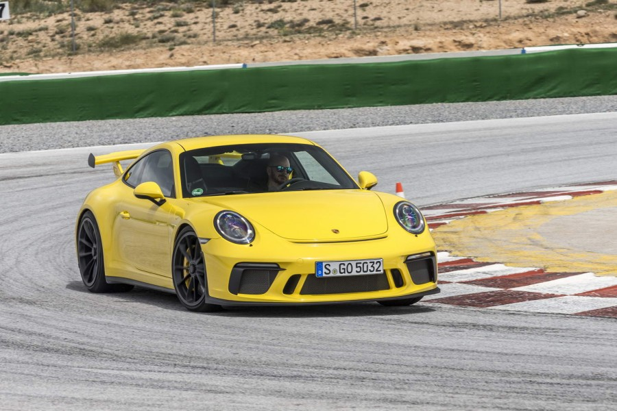 Car Reviews | Porsche 911 GT3 manual | CompleteCar.ie