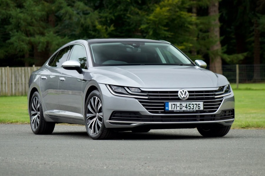 sedan and sedans com review passat autobytel road volkswagen test reviews