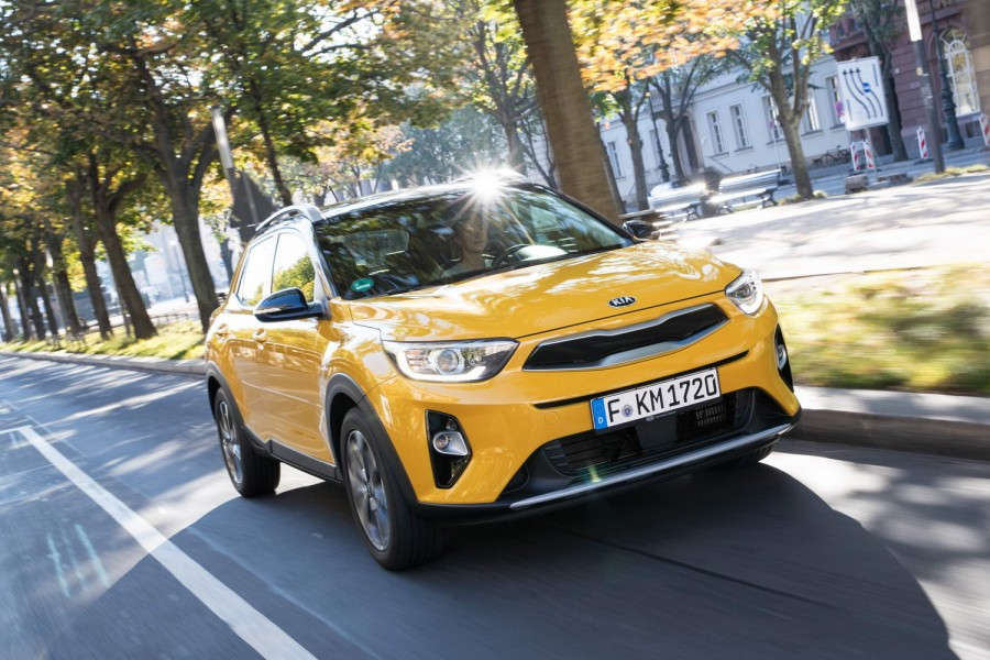 Car Reviews | Kia Stonic 1.4 petrol | CompleteCar.ie