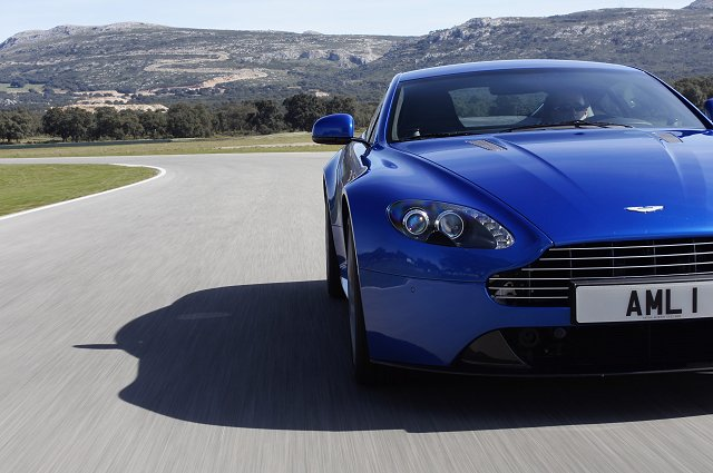 Car Reviews | Aston Martin V8 Vantage S | CompleteCar.ie