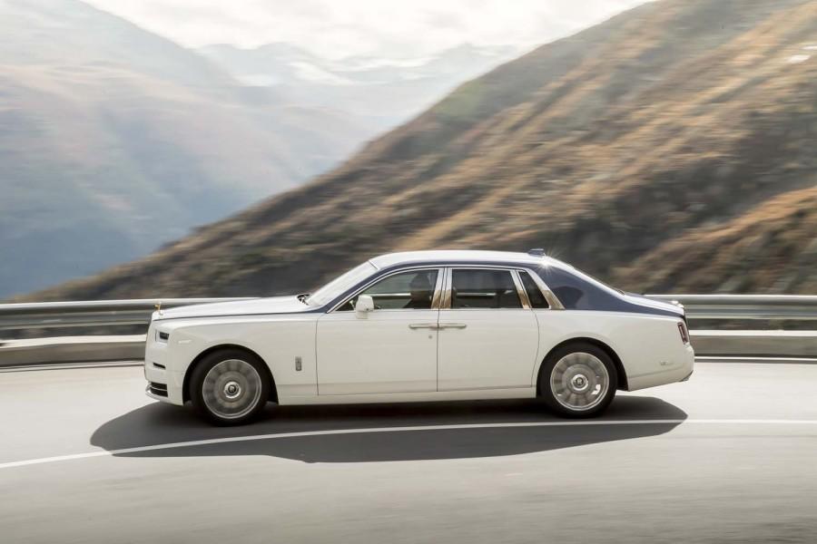Car Reviews | Rolls-Royce Phantom | CompleteCar.ie