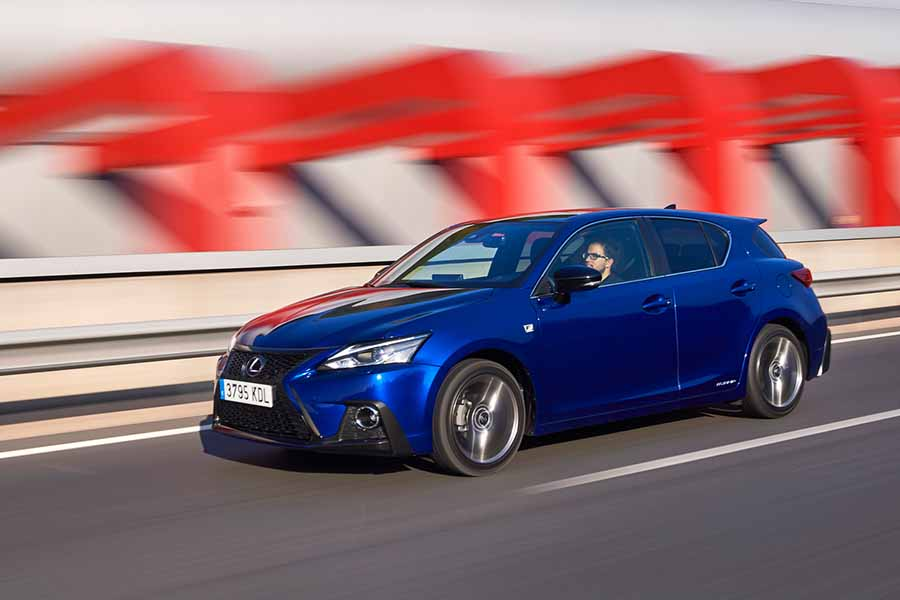 Car Reviews | Lexus CT 200h | CompleteCar.ie