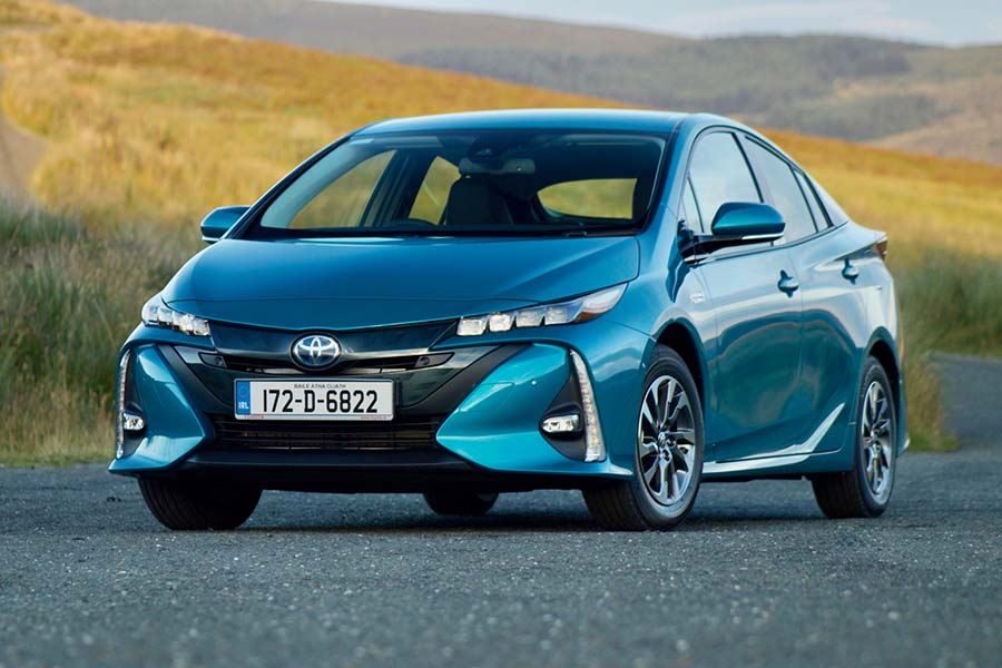 Car Reviews | Toyota Prius Plug-in Hybrid | CompleteCar.ie