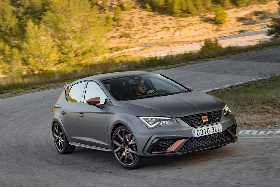 Car Reviews | SEAT Leon Cupra R | CompleteCar.ie