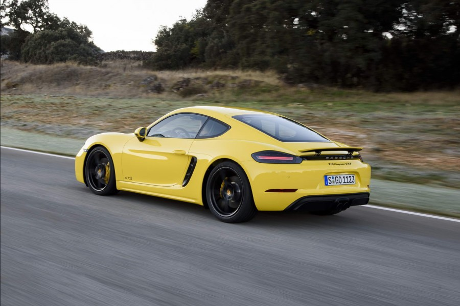 Car Reviews | Porsche 718 Cayman GTS | CompleteCar.ie