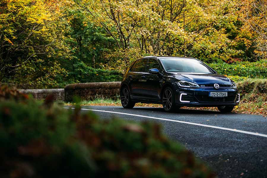 Car Reviews | Volkswagen Golf GTE | CompleteCar.ie