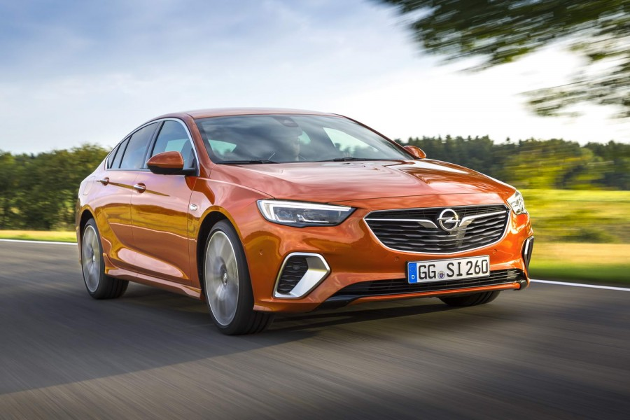 Car Reviews | Opel Insignia Grand Sport GSi diesel | CompleteCar.ie