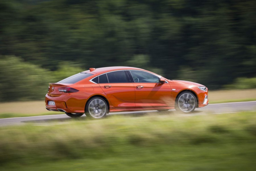 Car Reviews | Opel Insignia Grand Sport GSi petrol | CompleteCar.ie