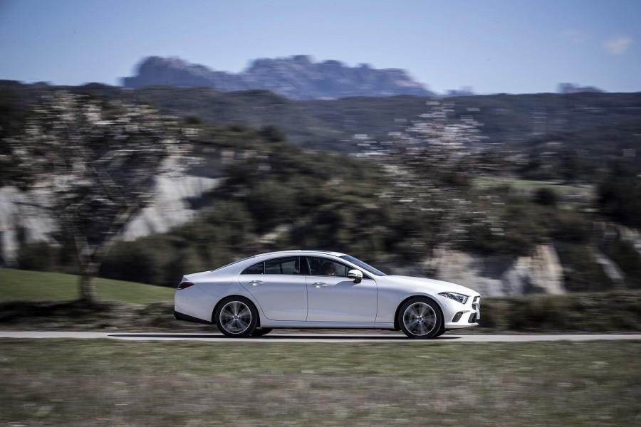 Car Reviews | Mercedes-Benz CLS 350 d | CompleteCar.ie