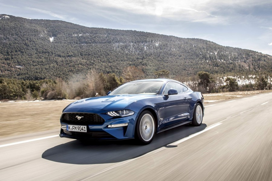 Ford Mustang 2 3 EcoBoost Fastback | Reviews | Complete Car