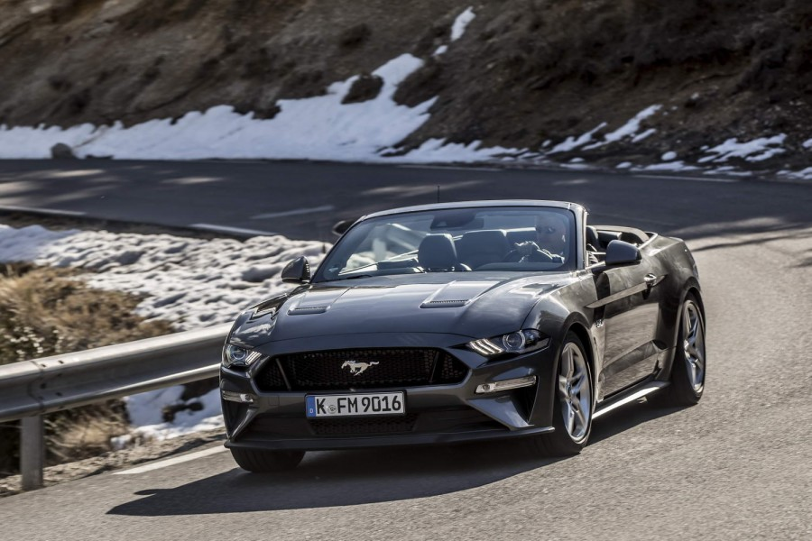 Car Reviews | Ford Mustang V8 Convertible | CompleteCar.ie