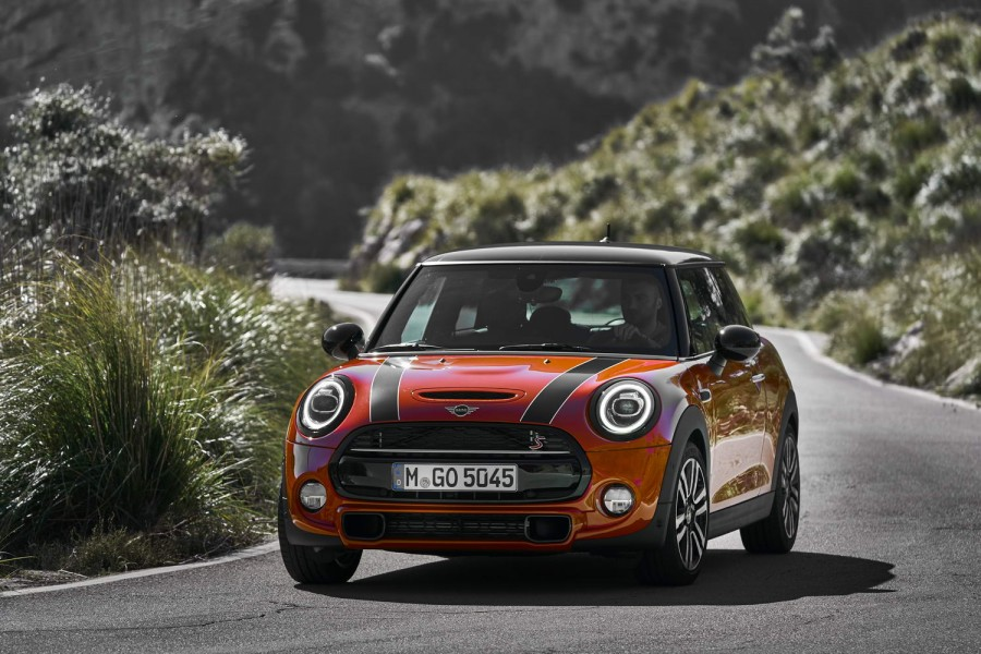 Car Reviews | MINI Cooper S | CompleteCar.ie