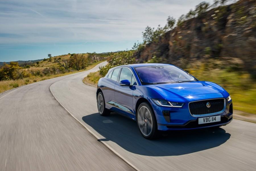 Car Reviews | Jaguar I-Pace EV400 | CompleteCar.ie
