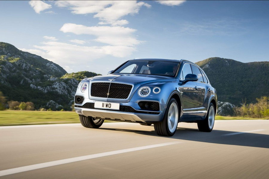 Car Reviews | Bentley Bentayga Diesel | CompleteCar.ie