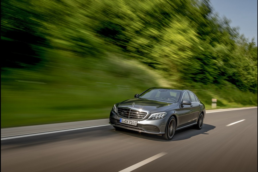 Car Reviews | Mercedes-Benz C 200 petrol | CompleteCar.ie