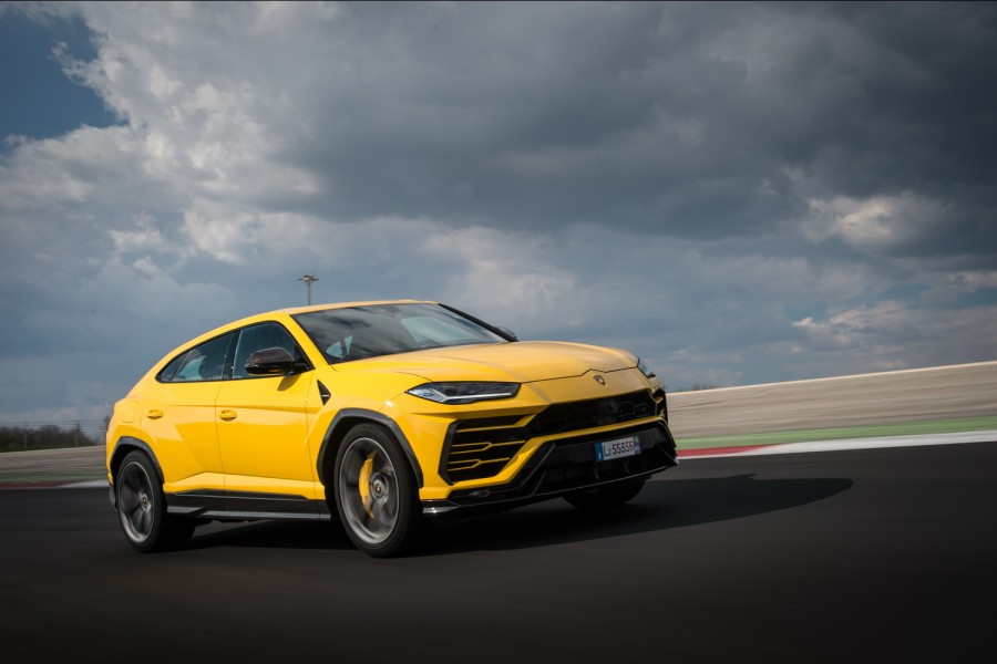 Car Reviews | Lamborghini Urus | CompleteCar.ie