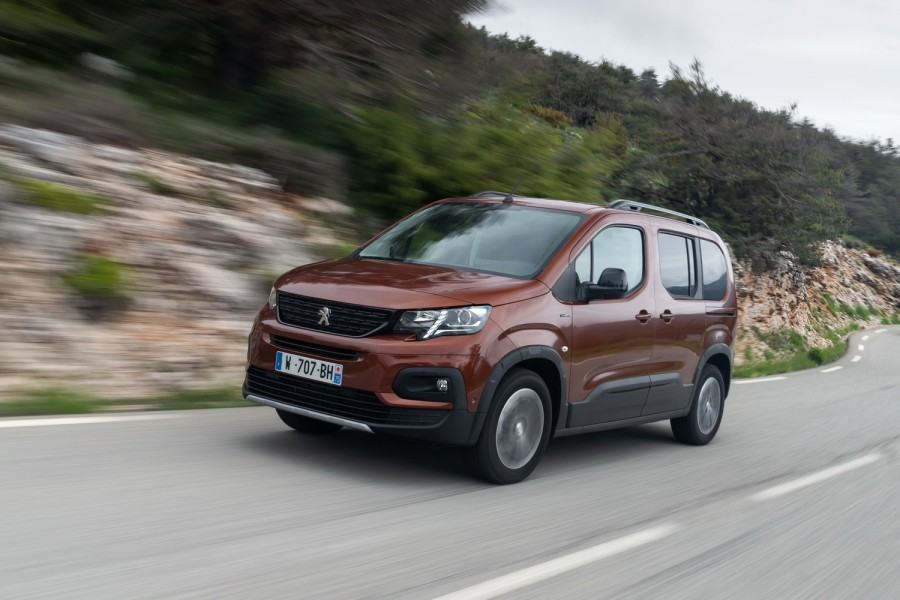 Car Reviews | Peugeot Rifter 1.5 diesel | CompleteCar.ie