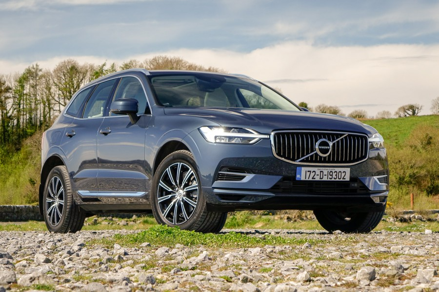 Car Reviews | Volvo XC60 T8 Twin Engine | CompleteCar.ie