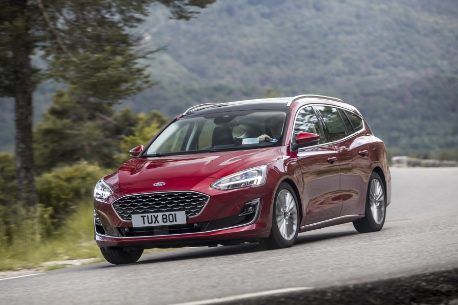 Ford Focus Estate 1 5 Diesel Vignale Reviews Complete Car
