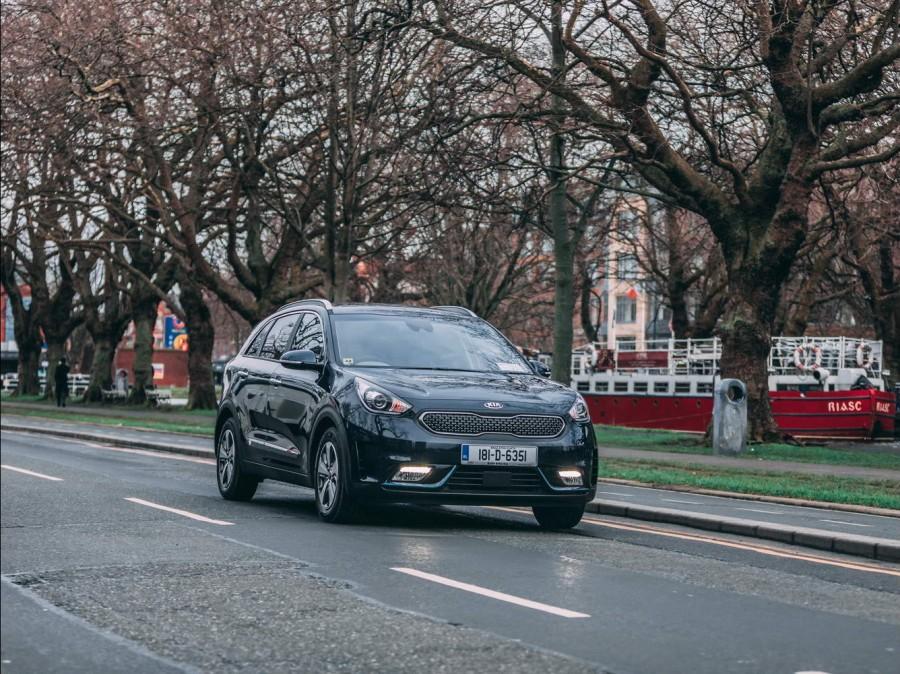 Car Reviews | Kia Niro Plug-in Hybrid | CompleteCar.ie