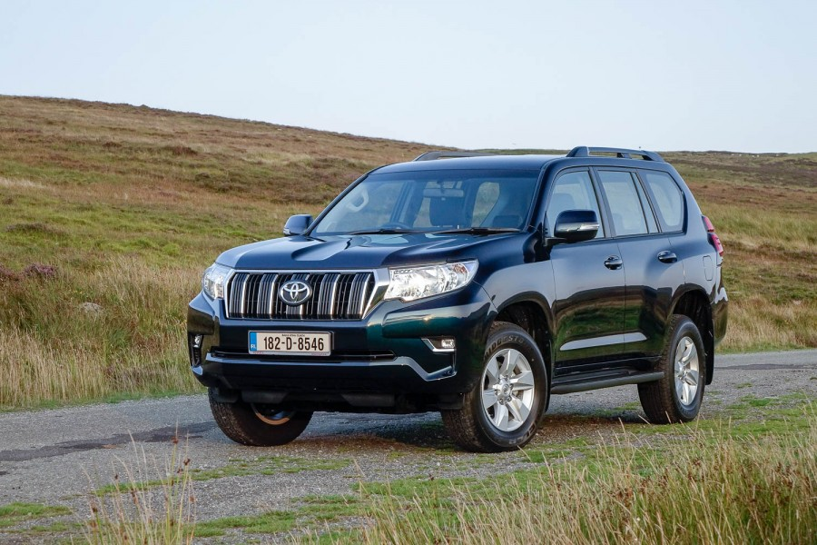 Car Reviews | Toyota Land Cruiser LWB diesel | CompleteCar.ie