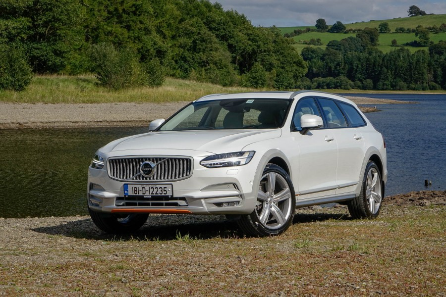 Car Reviews | Volvo V90 Cross Country Ocean Race | CompleteCar.ie