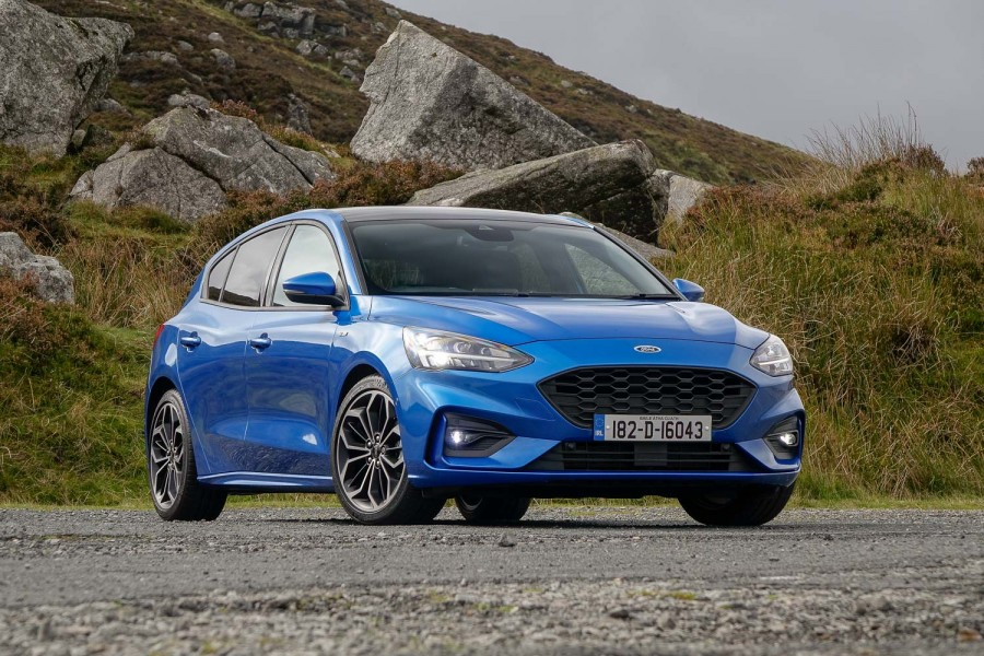 Car Reviews | Ford Focus 1.5 diesel ST-Line | CompleteCar.ie