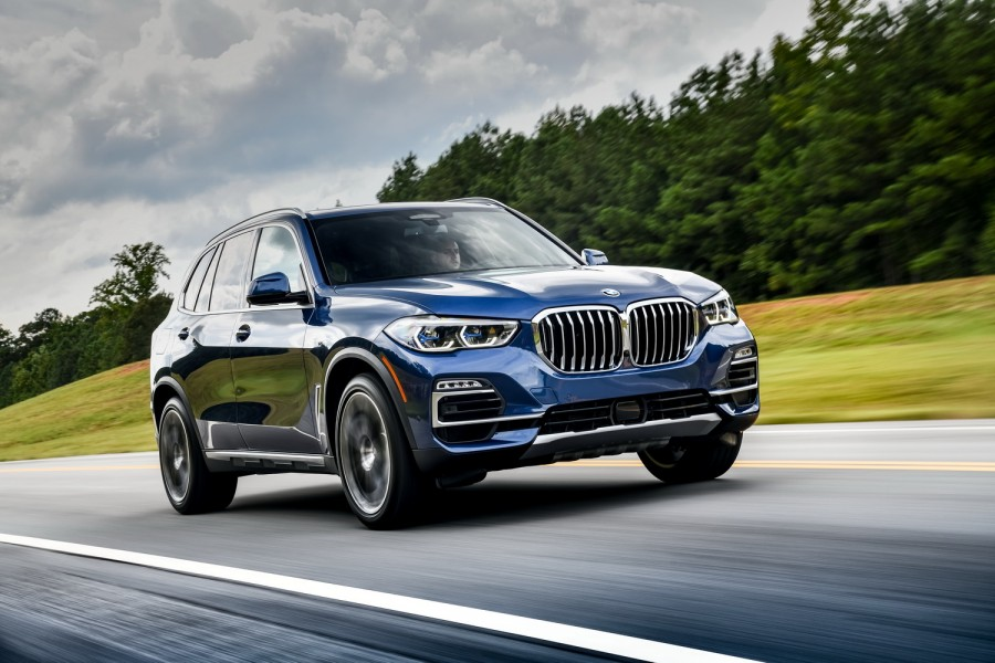Car Reviews | BMW X5 xDrive40i petrol (2019) | CompleteCar.ie