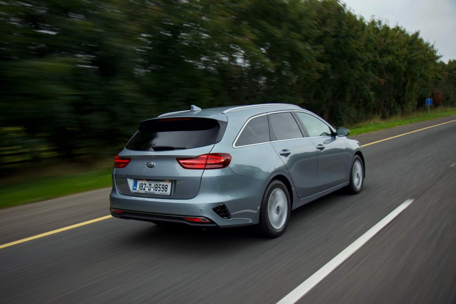 Car Reviews | Kia Ceed Sportswagon 1.0 petrol (2018) | CompleteCar.ie