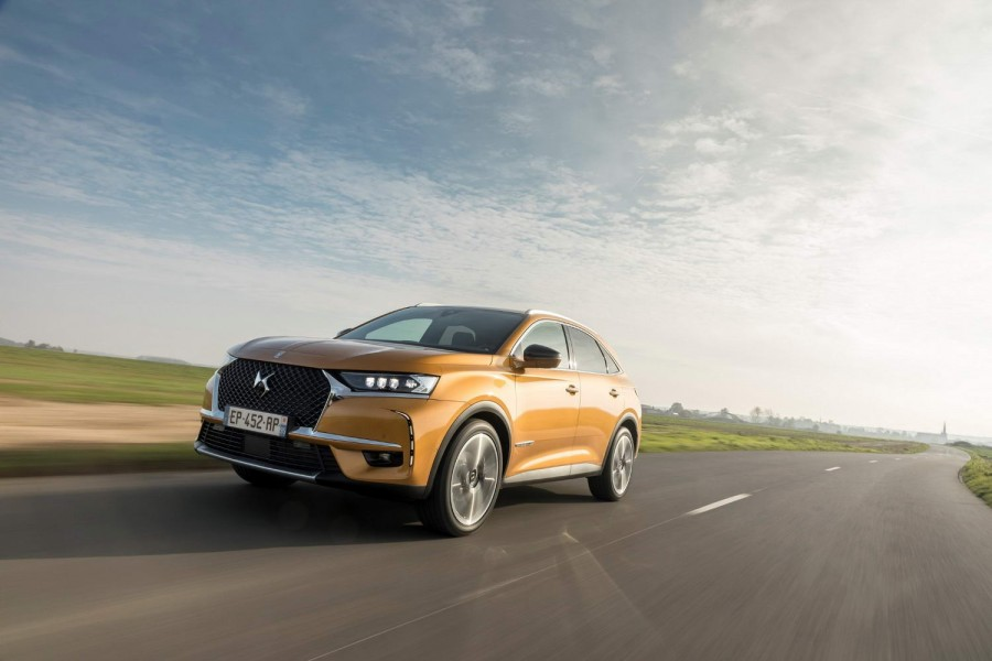 Car Reviews | DS 7 Crossback 1.6 petrol (2019) | CompleteCar.ie