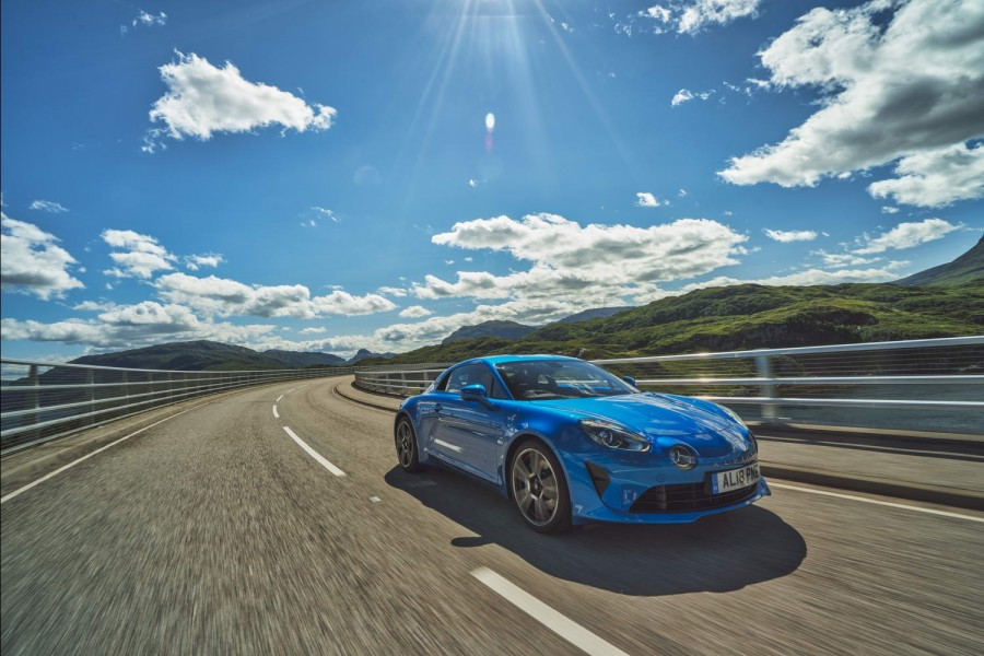 Car Reviews | Alpine A110 coupe (2018) | CompleteCar.ie