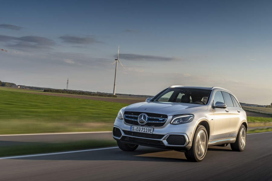 Car Reviews | Mercedes-Benz GLC F-Cell (2019) | CompleteCar.ie