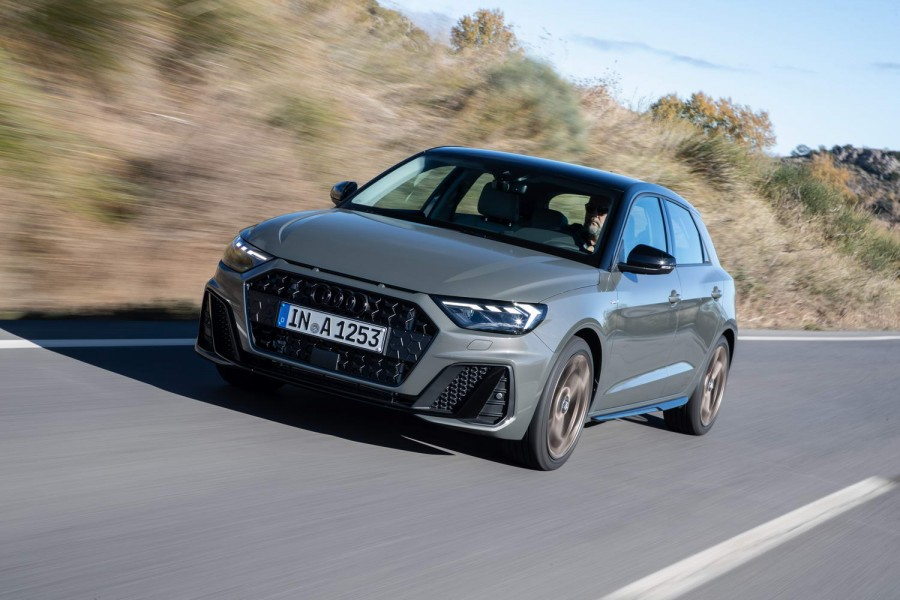 audi a1 sportback 30 tfsi petrol 2019 reviews complete car. Black Bedroom Furniture Sets. Home Design Ideas