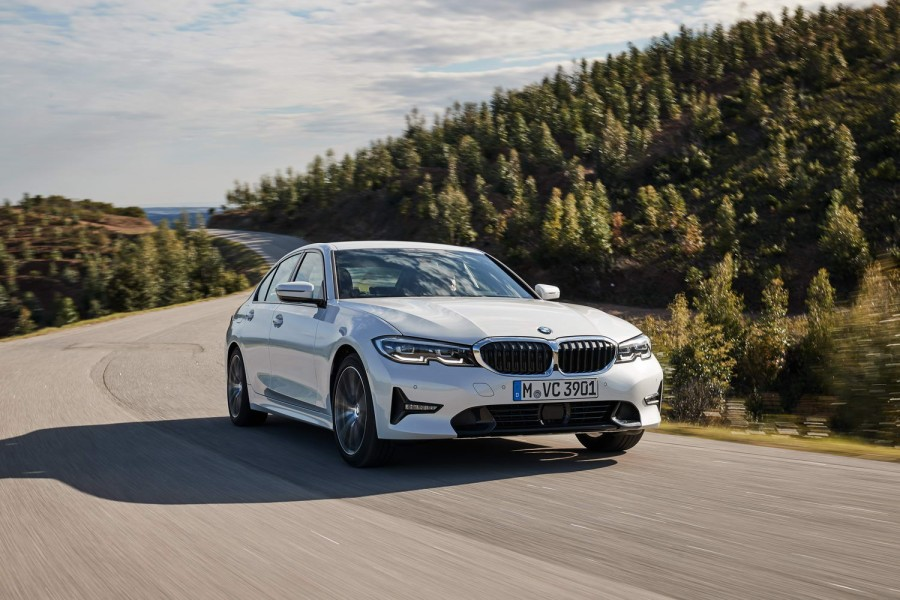 Car Reviews | BMW 320d diesel Sport (2019) | CompleteCar.ie