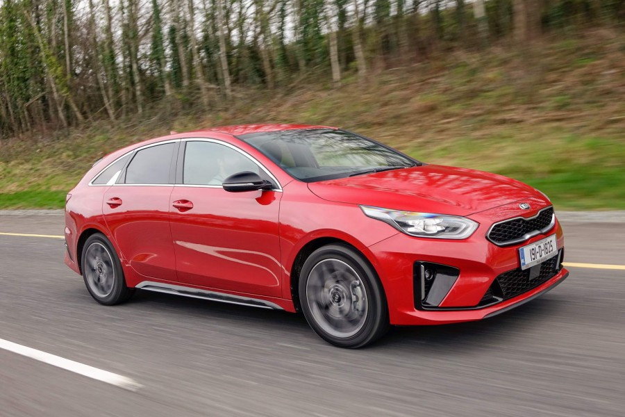 Car Reviews | Kia Proceed 1.4 petrol (2019) | CompleteCar.ie