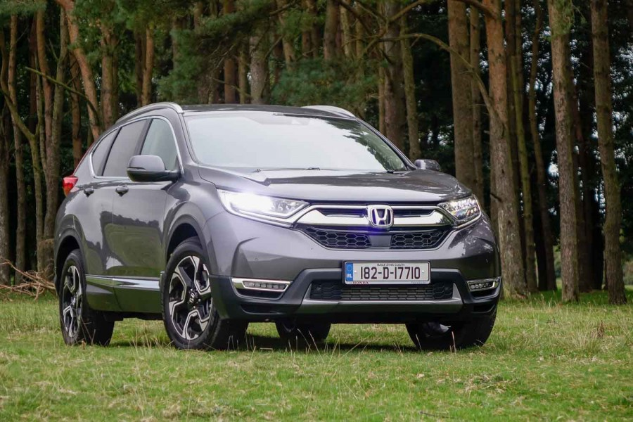 Car Reviews | Honda CR-V 1.5 VTEC Turbo petrol 4x4 (2018) | CompleteCar.ie