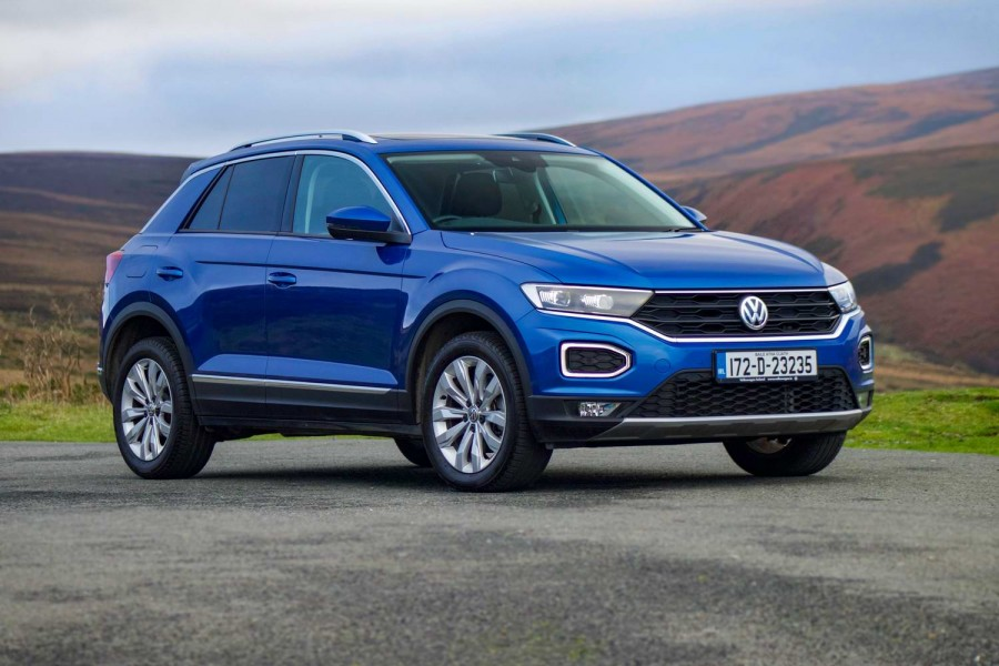 Car Reviews | Volkswagen T-Roc 1.5 TSI petrol (2018) | CompleteCar.ie