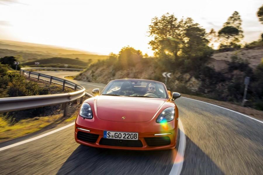 Car Reviews   Porsche 718 Boxster T (2019)   CompleteCar.ie