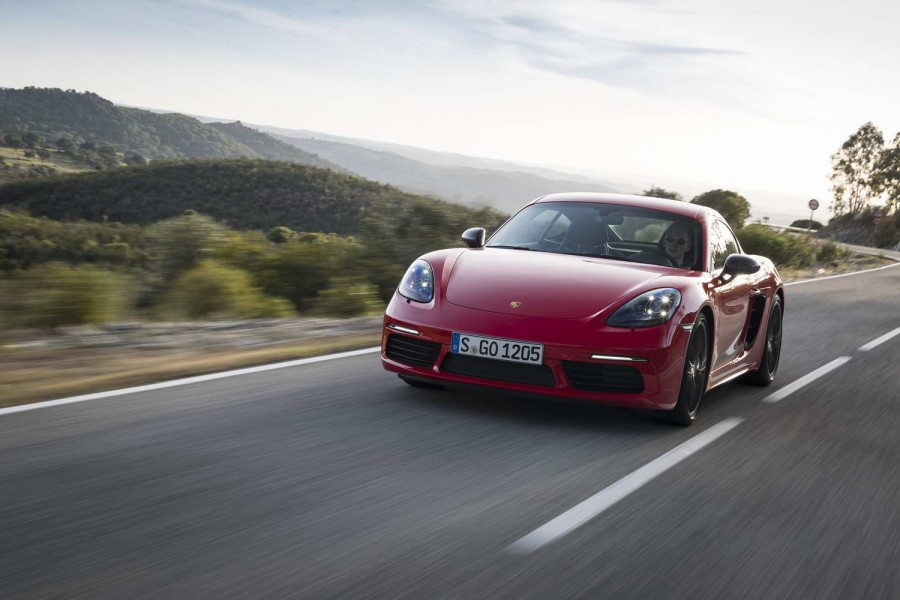 Car Reviews | Porsche 718 Cayman T (2019) | CompleteCar.ie