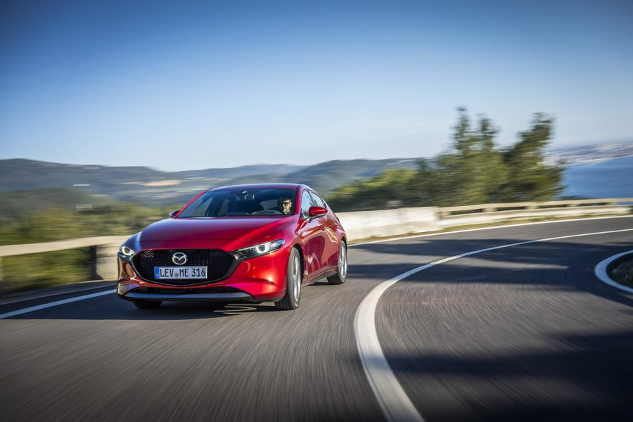 Car Reviews | Mazda 3 1.8 SkyActiv-D diesel (2019) | CompleteCar.ie