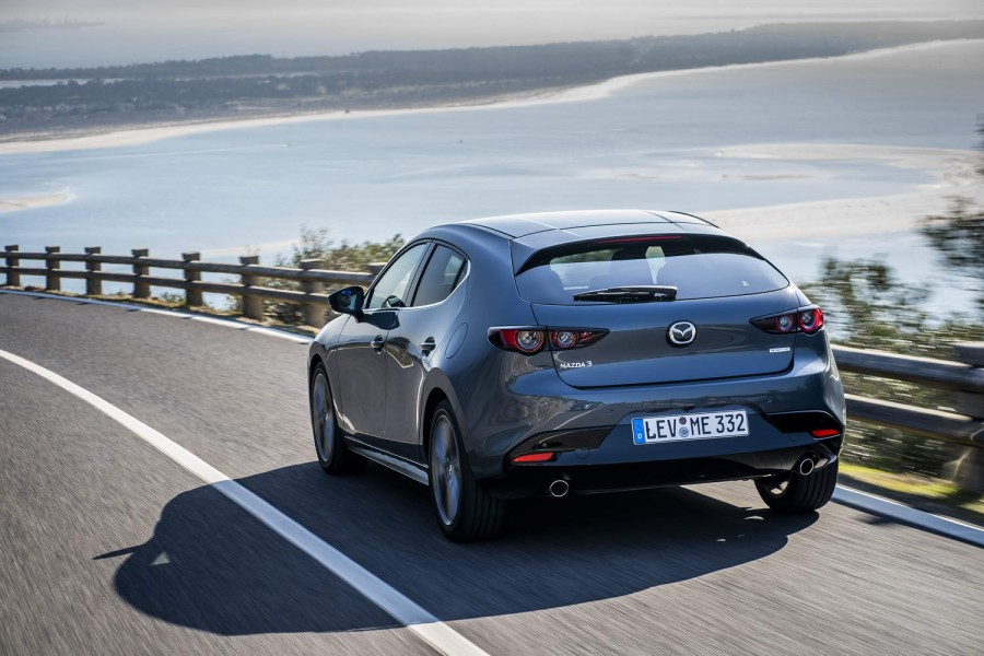Car Reviews | Mazda 3 2.0 SkyActiv-G M-Hybrid (2019) | CompleteCar.ie