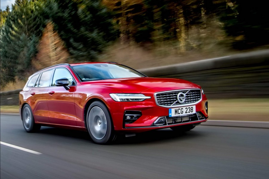 Car Reviews | Volvo V60 R-Design T5 petrol (2019) | CompleteCar.ie