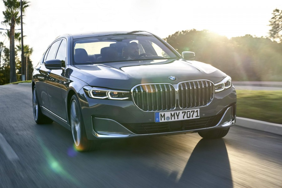 Car Reviews | BMW 750Li xDrive (2019) | CompleteCar.ie