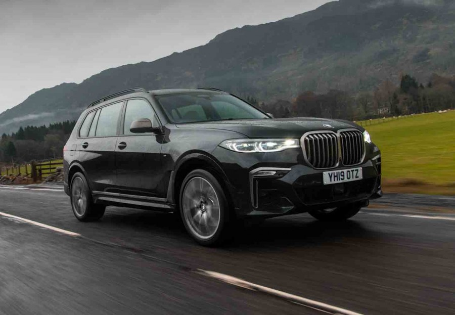 Car Reviews | BMW X7 M50d (2019) | CompleteCar.ie